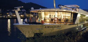 AmaLegro docked at night